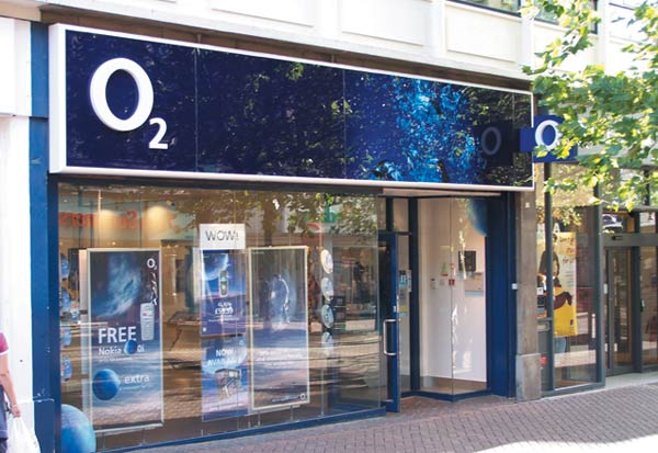 As Vodafone and O2 switch on 4G, Three announces its 4G