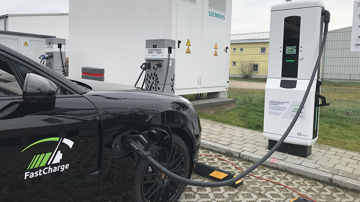 BMW Porsche fast charger delivers 100km range in 3 mins