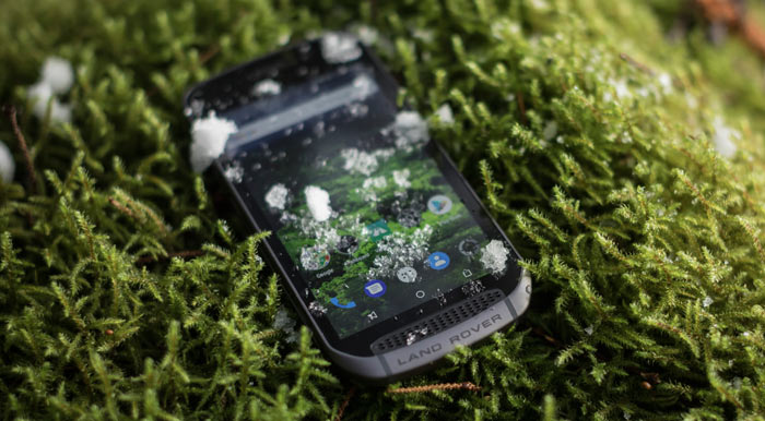 Land Rover Explore is a rugged phone with swappable backs