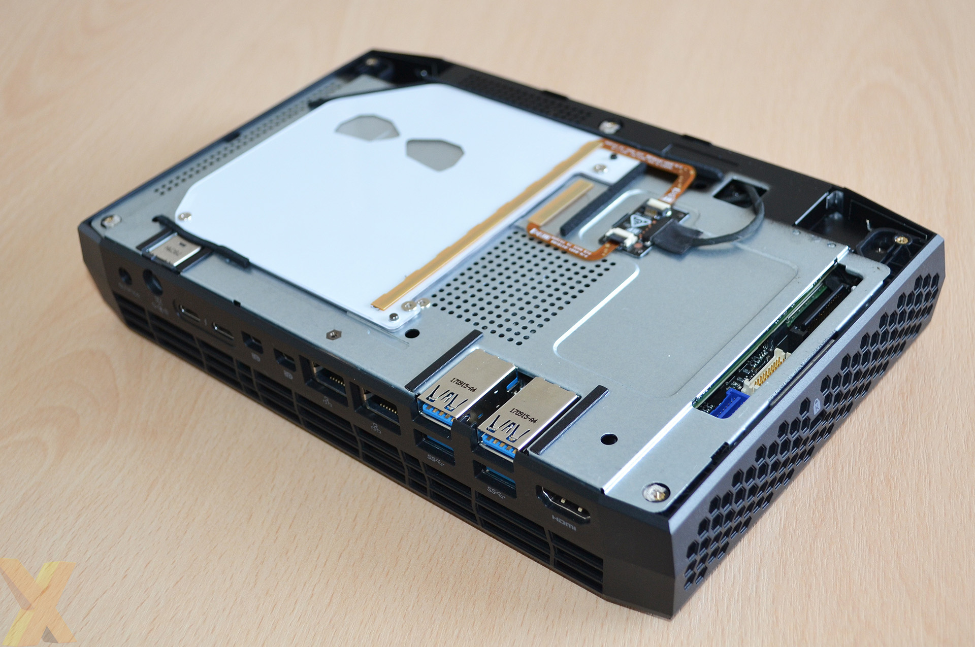 Review: Intel Hades Canyon NUC (NUC8i7HVK) - Systems - HEXUS net
