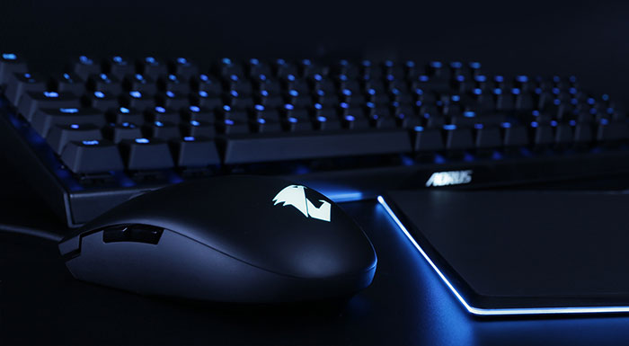 f62dc99d1d1 Last but not least the Gigabyte Aorus M2 gaming mouse has RGB Fusion 2.0  LED lighting. You can choose various lighting effects for the mouse, ...