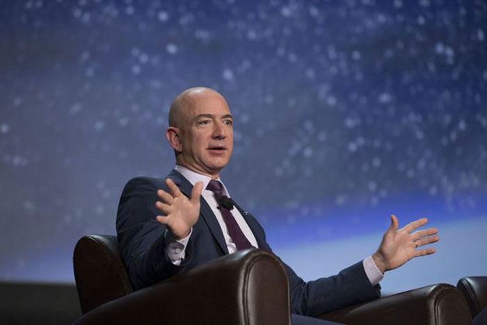 Amazon asks FCC to greenlight its internet satellite plan