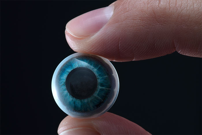 Mojo Vision created the world's first smart contact lens with augmented reality